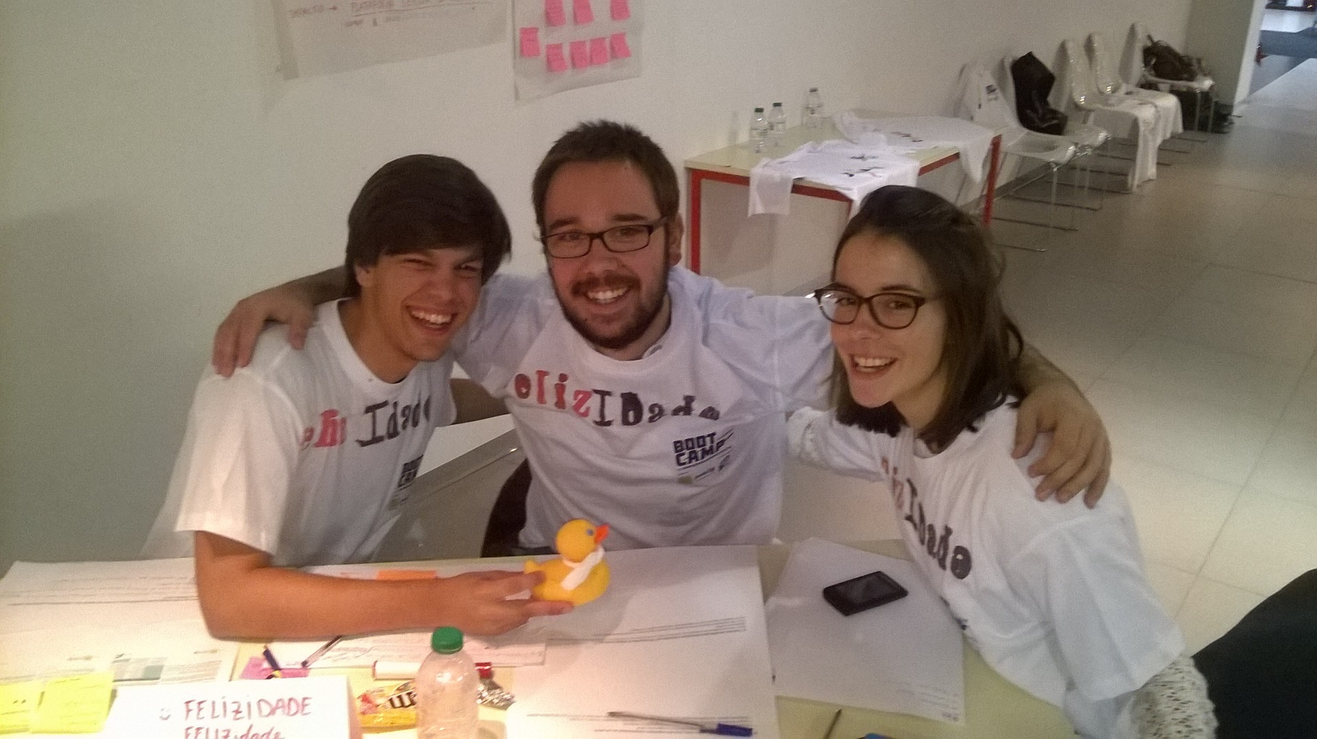 Equipa de GASNovenses no Bootcamp de Empreendedorismo Social. Da esquerda para a direita: Frederico Carvalho, Afonso Borga e Teresa Rodrigues.
